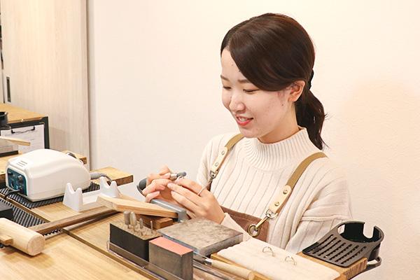 神戸元町彫金工房スタッフ:Honda Runa